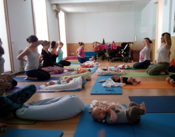 Ioga post part (mares i nadons) amb MamaYoga