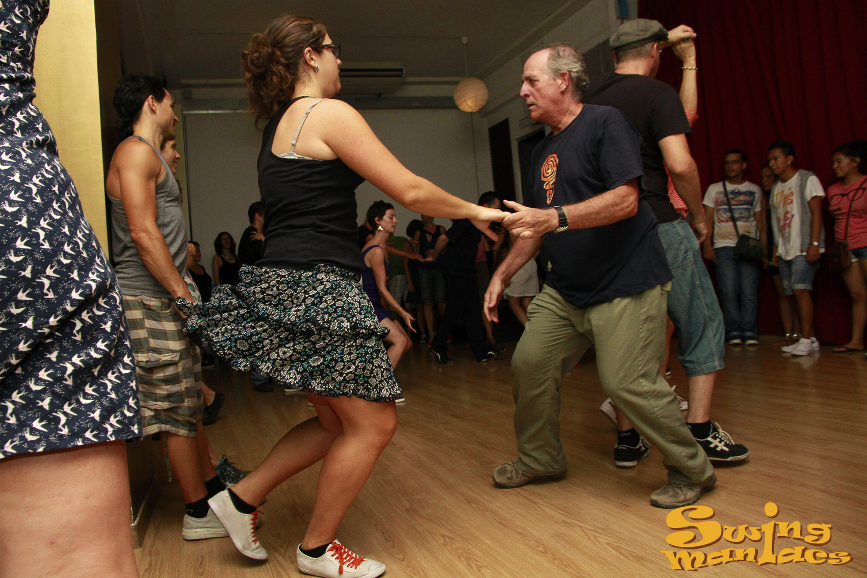 Fotos swing maniacs swing en madrid aprende a bailar for Swing gracia