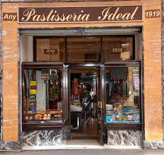 Celebra 100 anys de la Pastisseria Ideal amb la Maniacs Band!